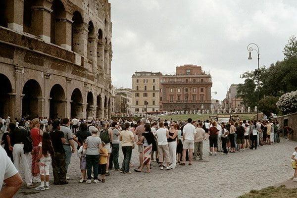 Colas en el Coliseo de Roma